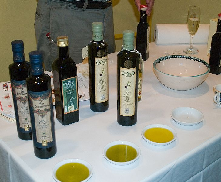 File:Extra Virgin Olive Oil.jpg