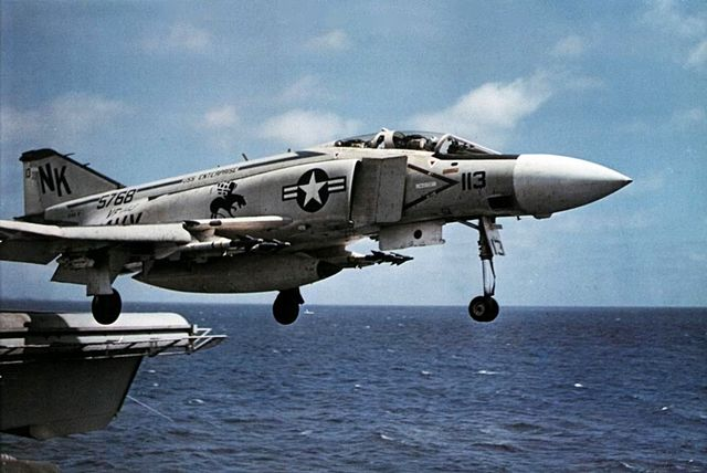 640px-F-4J_VF-143_launching_from_USS_Ent
