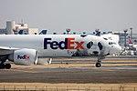 FedEx 'Panda' Express taxing to R-W16R. (4364428449).jpg