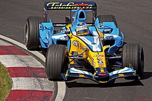 Fernando Alonso (with Renault R26) at the Cana...