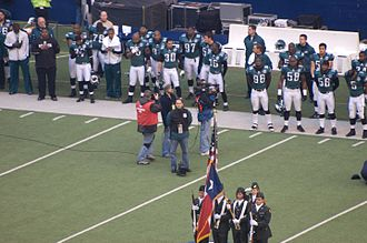 2007 Dallas Cowboys season - Image: Flag raising before Eagles vs Cowboys Dec 2007