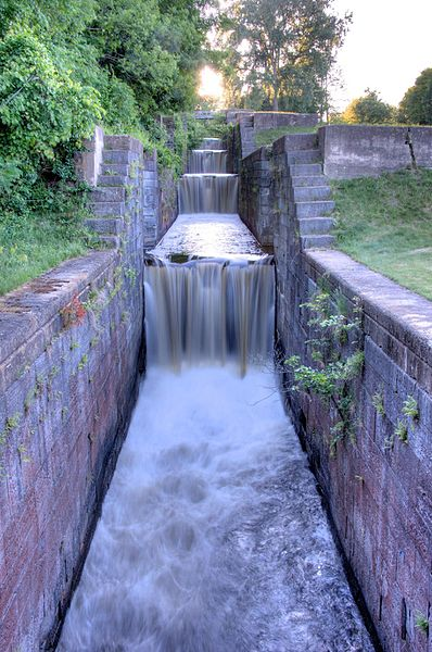 File:Flight of Locks (6-10), Glen Falls Feeder Canal.jpg