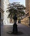 Fontaine Wallace, Allée des Justes, Paris.jpg