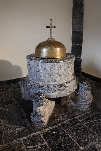 Mettet - Image: Fonts baptismaux
