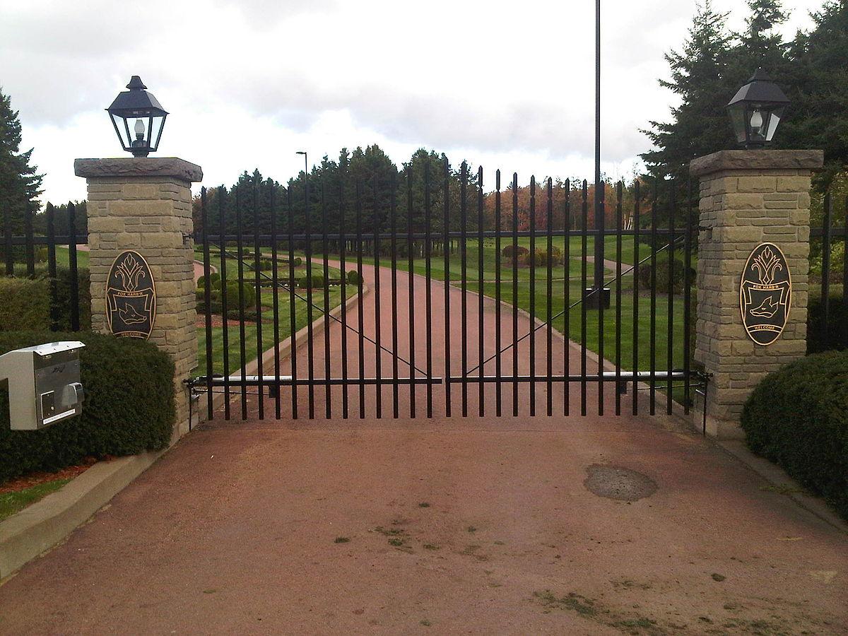 Fox Harb'r Golf Resort & Spa - Wikipedia
