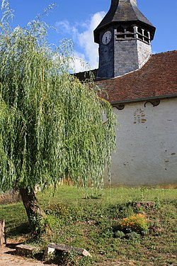 Fralignes église mur Nord.jpg