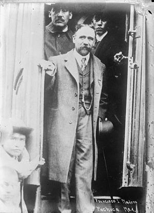 Treaty of Ciudad Juárez - Francisco Madero arriving in Pachuca in 1912