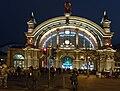 Frankfurt Hauptbahnhof mit Abfahrtstafel.jpg