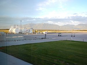 Cranbrook/Canadian Rockies International Airport - Image: Fuel YXC