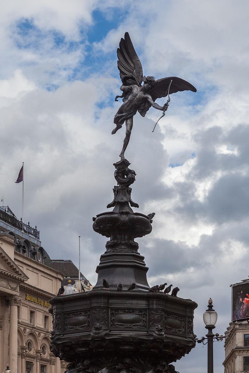 Fuente Eros, Piccadilly Circus, Londres, Inglaterra, 2014-08-11, DD 159.JPG