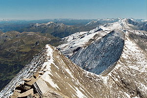Bratschen - The east ridge of the Fuscherkarkopf looking towards Sinwelleck