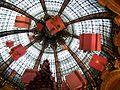 Galeries Lafayette - PARIS - Dezember 2009 - panoramio (1).jpg
