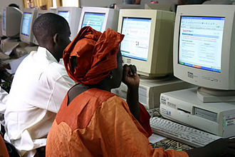 Telecommunications in Mali - A computer training center in Bamako.