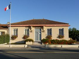 The town hall in Grayan