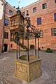 Gripsholm Castle inner circle with well May 2018.jpg