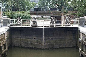 Grosvenor Canal, London - geograph.org.uk - 1414541.jpg