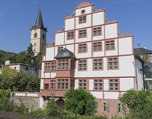 Hilchenhaus und St. Martin in Lorch am Rhein.