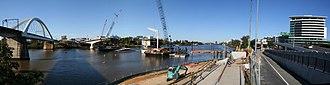 Go Between Bridge - Image: Hale Street Link Construction 5