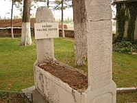 Halime Hatun'un mezarı.JPG