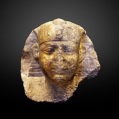 Head of a king-E 10756