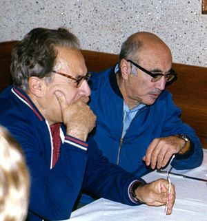 Yakov Borisovich Zel'dovich - Zel'dovich (right) with astrophysicist Iosif Shklovsky in 1977