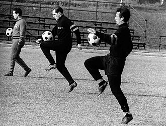 Armando Picchi - Picchi (right) in training with Nerazzurri in 1966, together with the teammate Luís Vinício (center) and the coach Helenio Herrera (left)