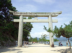 ItsukushimaLandTorii7376.jpg
