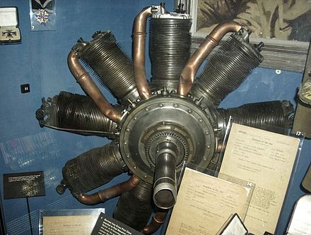 Engine of Richthofen's Fokker DR.I Iwm110.jpg