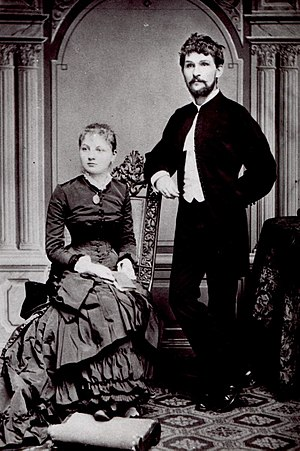 Leoš Janáček - Image: Janacek with wife