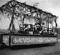 Japanese float decorated with Wisteria, Golden Potlatch parade, Seattle, July 17-22, 1911 (KIEHL 346).jpeg