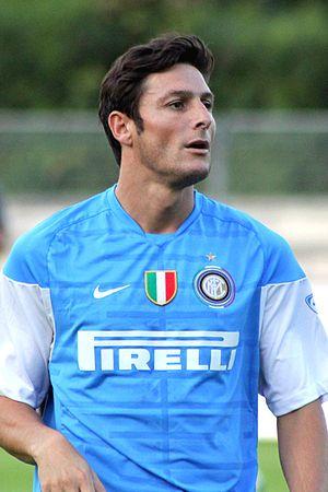 Javier Zanetti - Zanetti during training