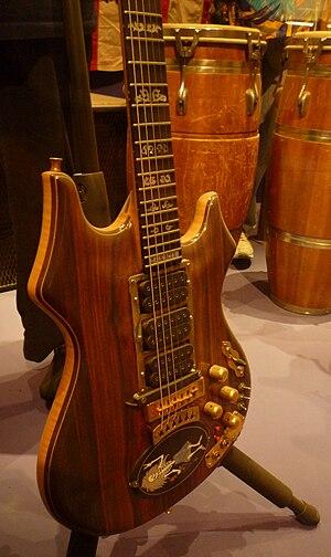 Tiger (guitar) - Rosebud, a guitar similar to Tiger