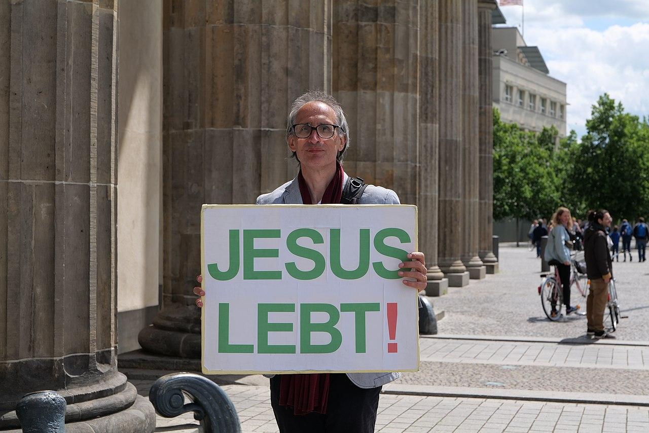Jesus alive protest Berlin 2020-06-06 06.jpg