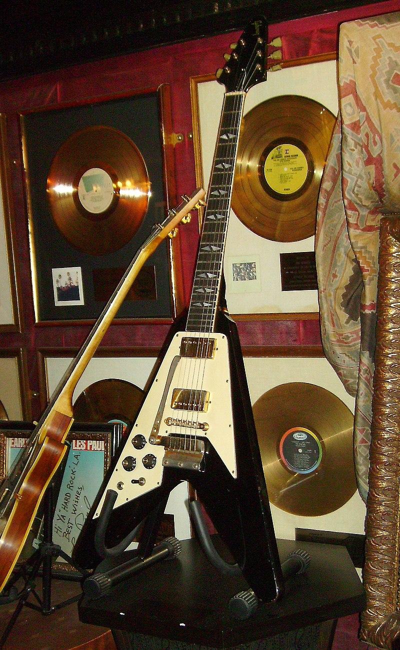 Jimi Hendrix%27s Flying V Gibson Guitar.jpg