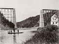 Jindrich Eckert - Cervena nad Vltavou, stavba mostu 2 (1889).jpg