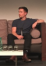 Joe Dempsie Joe Dempsie Paris (cropped).jpg