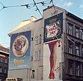 Kálvin tér, tűzfal az Üllői út és Baross utca között. Fabulon mozaikkép és Mino cipő reklám. Fortepan 25029.jpg