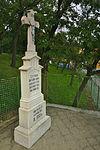 Kříž u kaple, Synalov, okres Brno-venkov.jpg