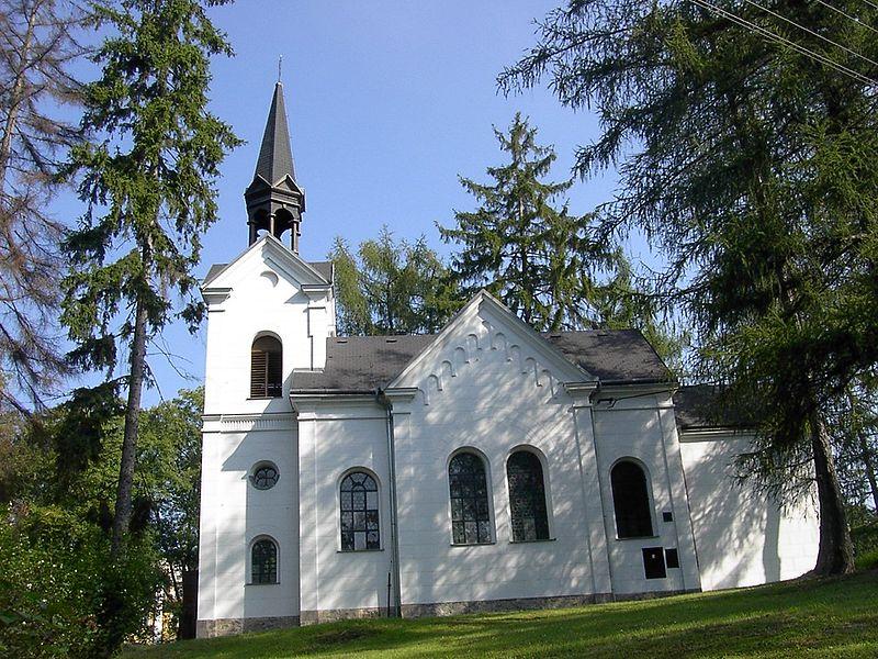 Soubor:Kaple v Konstantinovych Laznich.jpg