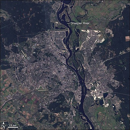 Landsat 7 image of Kiev and the Dnieper Kiev L7 20010914.jpg