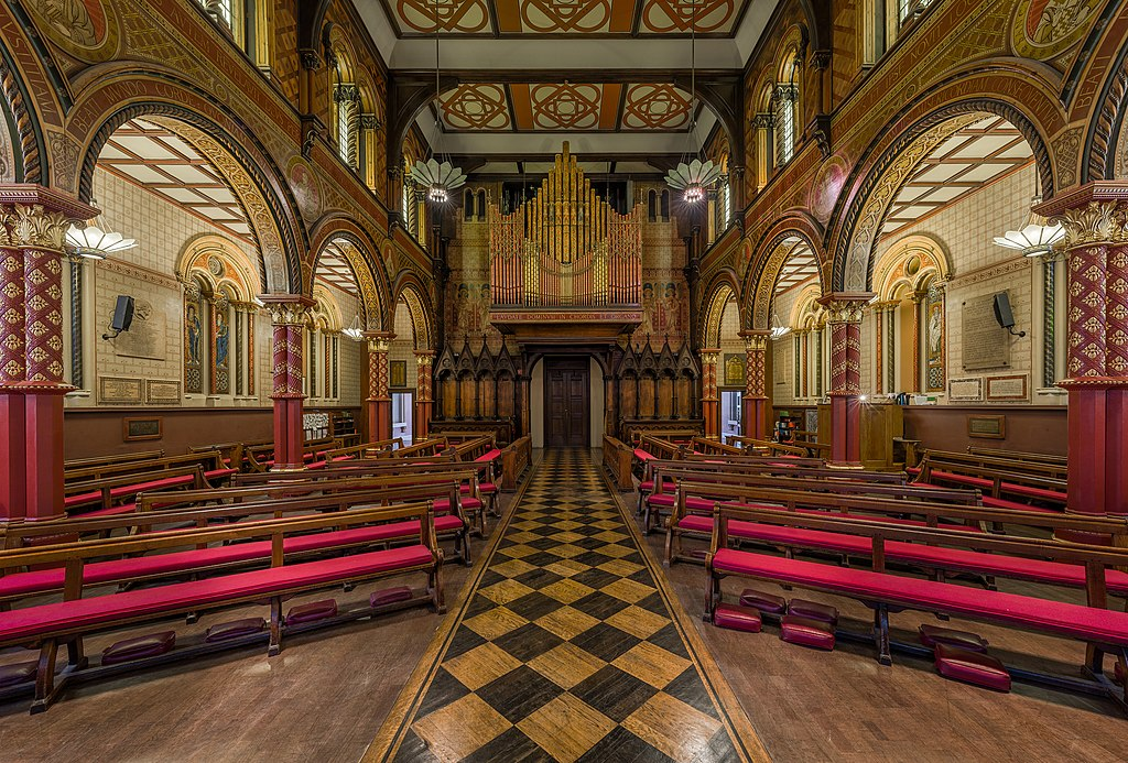 File:King's College London Chapel 3, London - Diliff.jpg ...