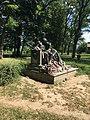 Koltó Teleki kastély Petőfi szobra.jpg