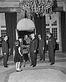 Koningin Juliana wordt welkom geheten, Bestanddeelnr 917-1749.jpg