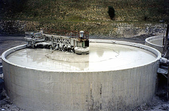 Rawmill - A 1500 m³ storage tank of slurry, blended and prevented from settling out by a rotating arm injecting compressed air