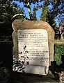Lars Fabricius' gravsten Assistens Kirkegård.jpg