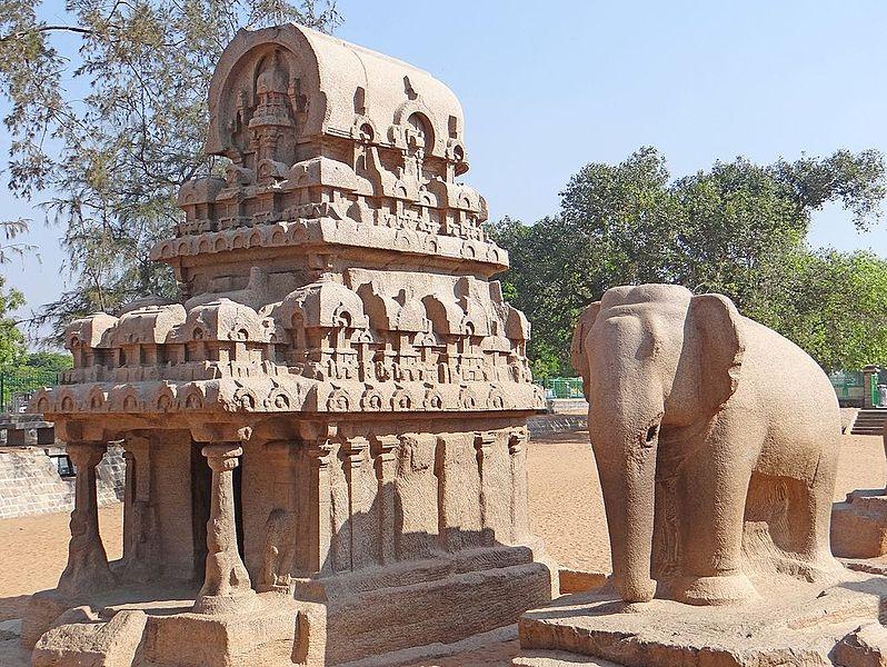 File:Les temples monolithes (Mahabalipuram, Inde) (13923883405).jpg