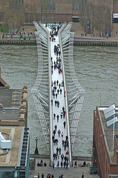 https://upload.wikimedia.org/wikipedia/commons/thumb/0/0b/London_Millennium_Bridge_from_Saint_Paul%27s.jpg/500px-London_Millennium_Bridge_from_Saint_Paul%27s.jpg