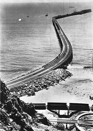 Los Angeles Pacific Railroad - Long Wharf in Santa Monica Bay 1895