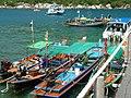 Longtailboten bij koh nangyuan - panoramio.jpg