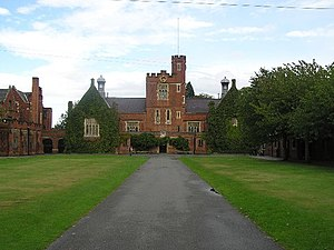 Loughborough Grammar School - The main quadrangle and Big School